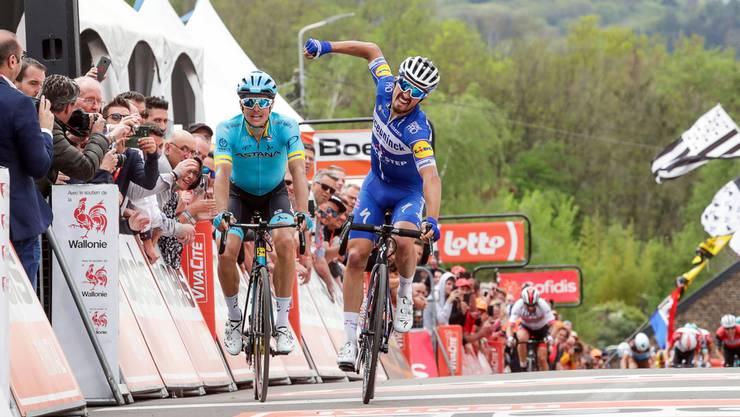 Der französische Radrennfahrer Julian Alaphilippe gewinnt die Flèche Wallonne zum zweiten Mal hintereinander.