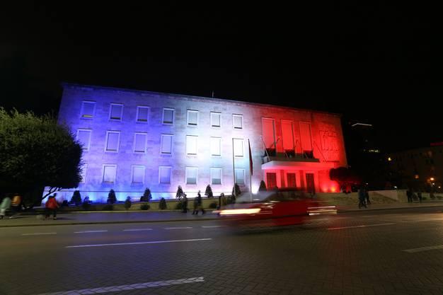 Das albanische Regierungsgebäude in Tirana