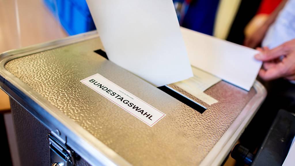 Knappes Rennen bei deutscher Bundestagswahl erwartet