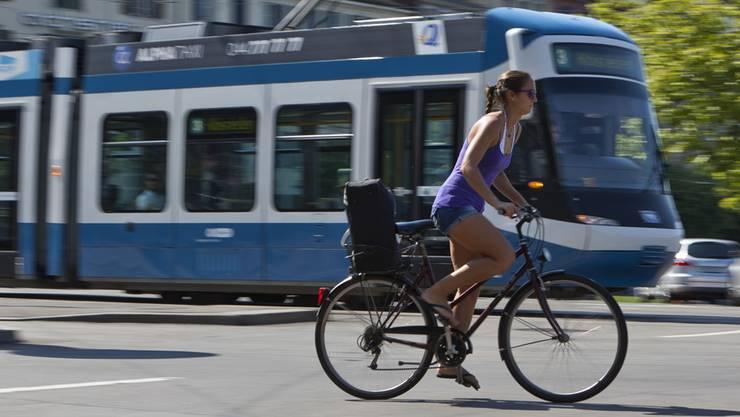 Schnellstrassen für Velos – in Zürich solls endlich vorwärts gehen.