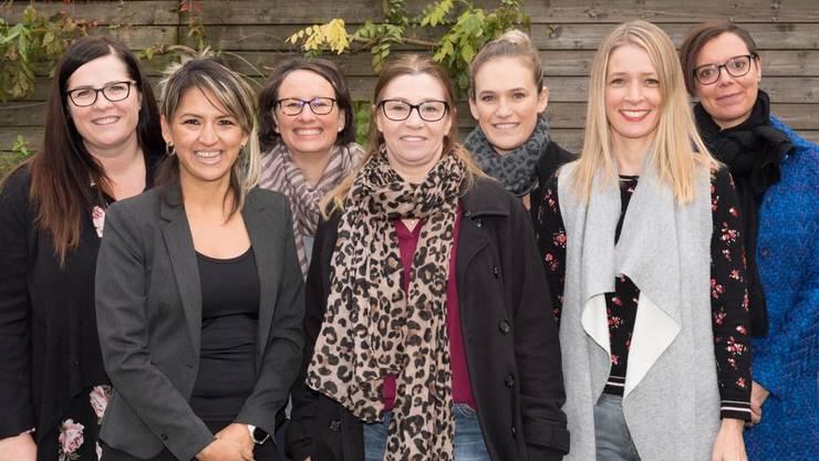 v.l: Claudia Poppa, Nohemi Pleuger, Marion Kissner, Marion Haag, Fiona Durand-Bourjate, Helena von Allmen, Alexandra Te Pass-Schuch.