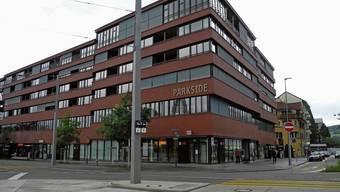 Die Grünen Schlieren ärgern sich seit Monaten darüber, dass es im Stadtzentrum kaum Abstellplätze für Velos gibt.