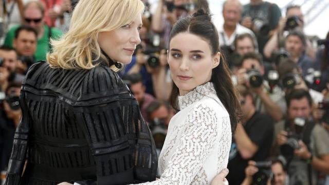 """Spielen in """"Carol"""" ein Paar: Cate Blanchett (l.) und Rooney Mara"""
