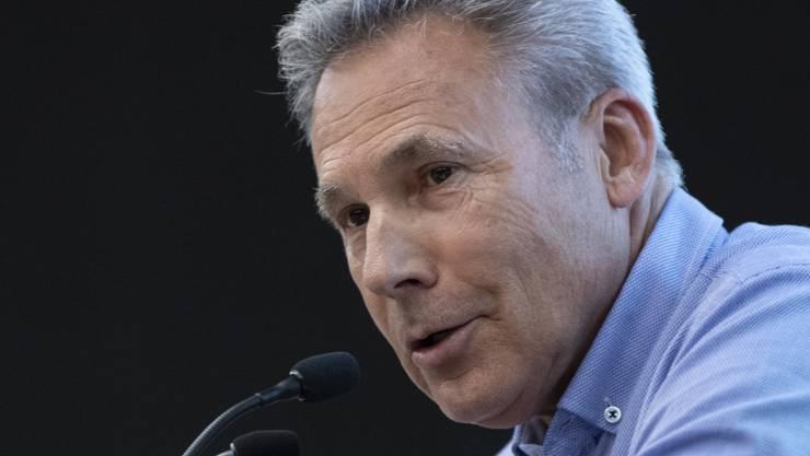 SVP-Wahlkampfleiter Adrian Amstutz kündigte nach den verlustreichen Wahlen an der Delegiertenversammlung eine schonungslose Aufklärung der Versäumnisse der Partei an.