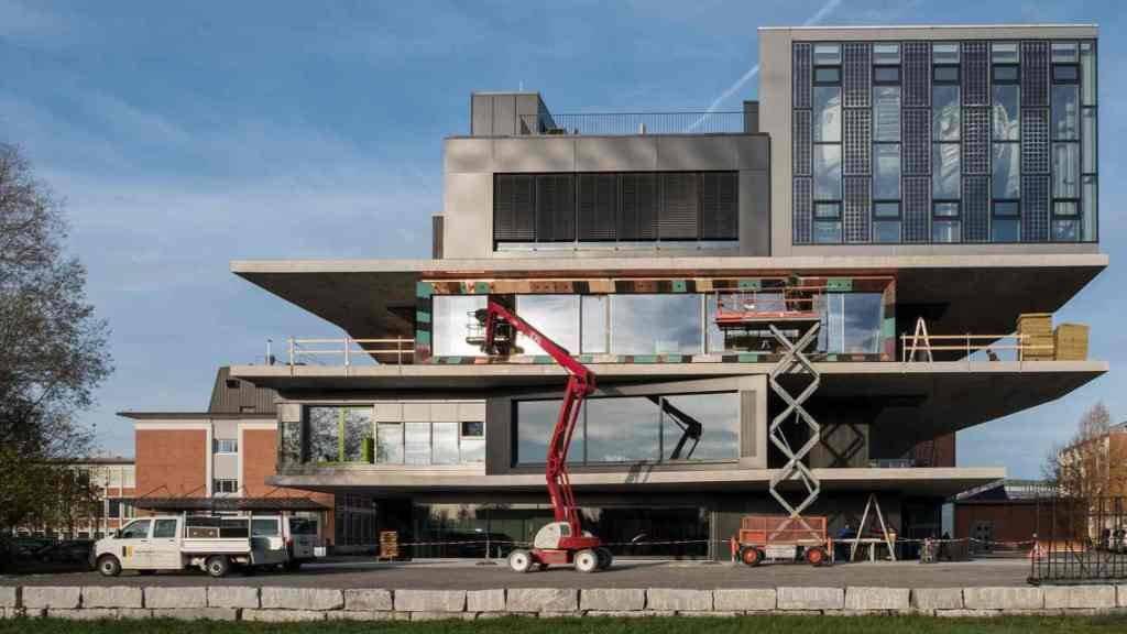 Das wandelbare Forschungshaus Nest in Dübendorf hat ein neues Unit erhalten. Das Modul «Urban Mining & Recycling» wurde am Donnerstag eröffnet.
