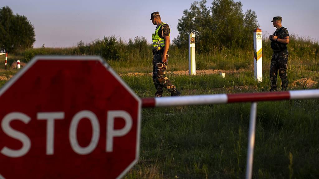 Migrantenandrang aus Belarus: Litauens Parlament stimmt für Grenzzaun