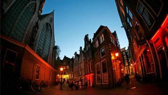 Blick in die Altstadt Amsterdams, in der sich das Nachtleben der Stadt grösstenteils abspielt.