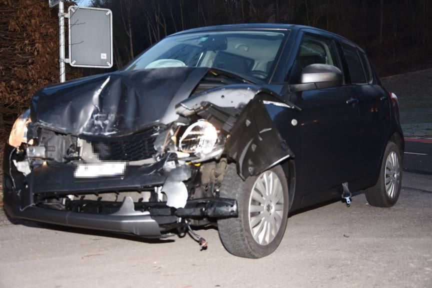 Warum die beiden Autos ineinander gekracht sind, ist unklar. (Bild: Kapo SG)