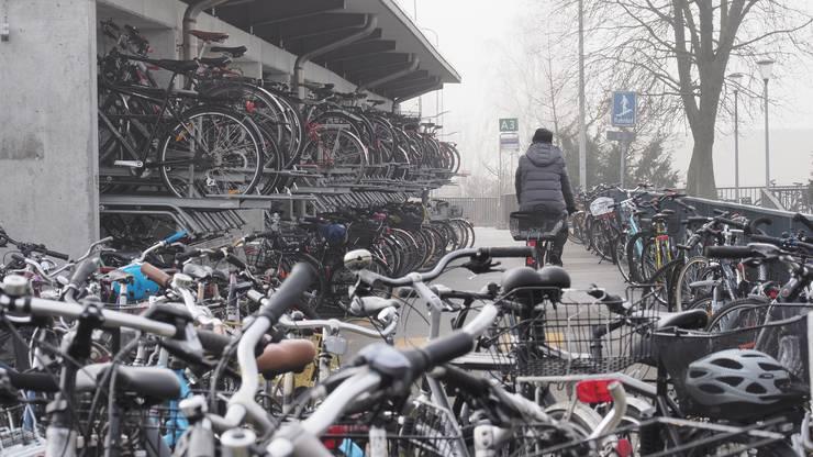 DiePolizei hat rund um den Bahnhof bereits 263 Fahrräder eingesammelt.