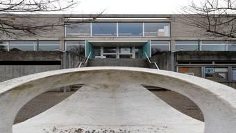 Die Sanierung des neuen Schulhauses ist unvermeidlich. Hp. Bärtschi