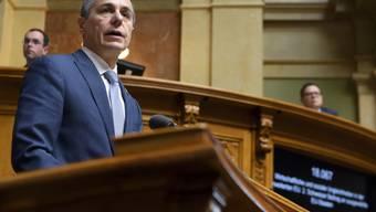 Kohäsionszahlungen an die EU seien im Interesse der Schweiz, sagte Aussenminister Ignazio Cassis im Nationalrat. Solange die EU die Schweiz diskriminiert, soll aber kein Geld fliessen.