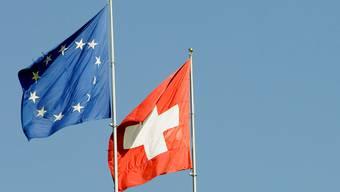 Bilaterale beibehalten oder Masseneinwanderungsinitiative umsetzen - wird das Schweizervolk demnächst über diese Frage befinden müssen? (Archiv)