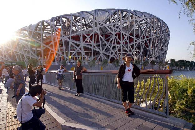 Die Skelet-Struktur der Yacht erinnert an das Oylimpia-Stadion in Peking.
