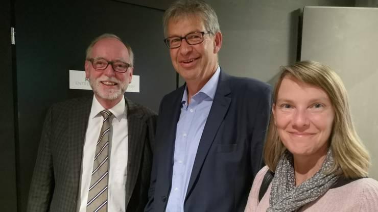Der Ex-Stapferhaus-Leiter Hans Ulrich Glarner mit Stadtpräsident Daniel Mosimann (M.) und dessen Frau Franziska Walti.