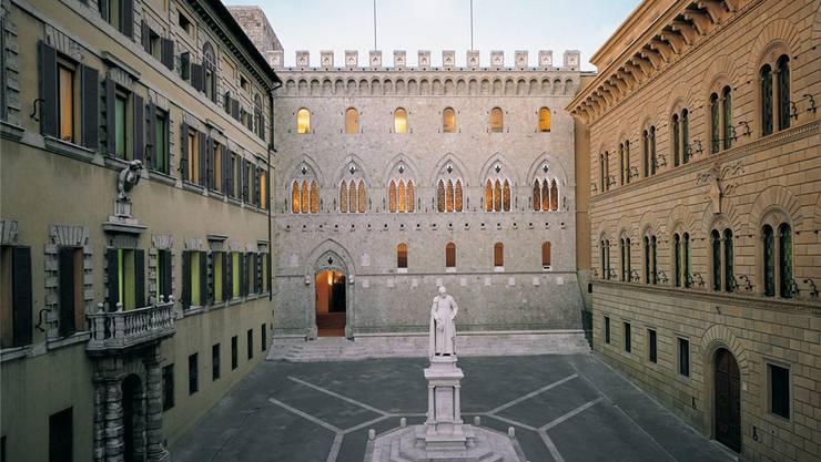 Der prachtvolle Sitz der weltältesten Bank, der Monte dei Paschi di Siena. EPA/Keystone