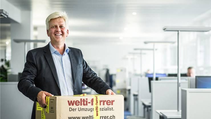Martin Fuchs, Leiter Sales und Marketing, in den neuen Räumen der Hint AG im Quartier «Im Lenz».