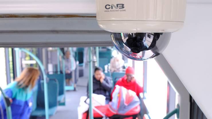 Video-Kamera in BVB-Tram