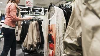 Über 700 Mode- und Schuhgeschäfte schlossen in den letzten drei Jahren. (Symbolbild)