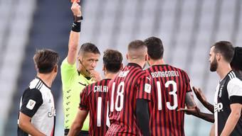 Ante Rebic erweist den Mailändern im Cup mit seiner Rote Karte einen Bärendienst