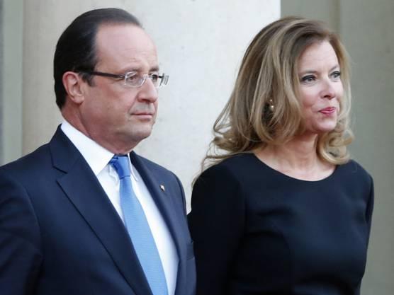 Fast langweilig, ja «ganz normal» seien sie, betonten Hollande und Trierweiler immer. Jedenfalls normaler als das Ehepaar Bruni-Sarkozy.