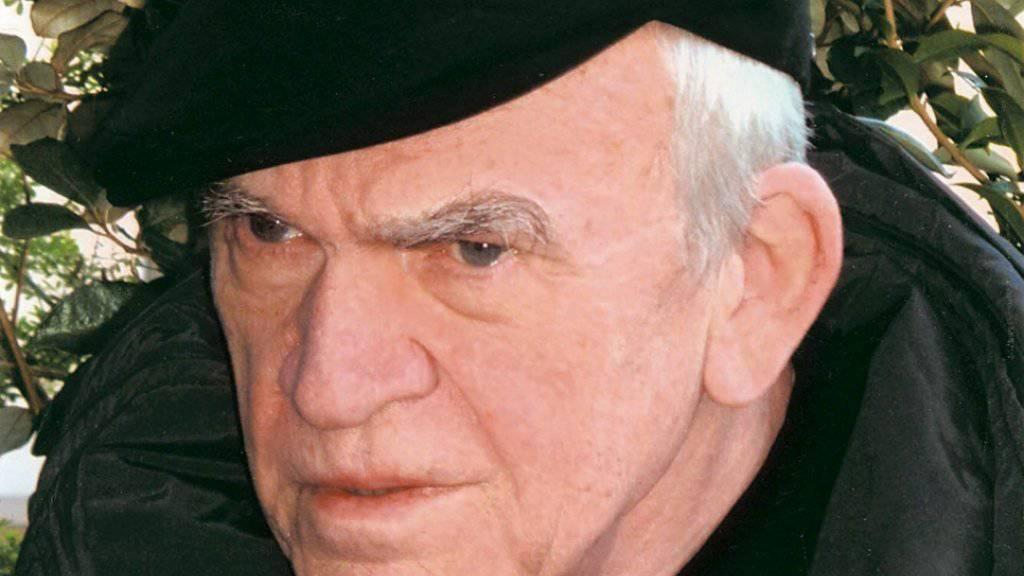 Der tschechische Schriftsteller Milan Kundera lebt seit 1975 in Frankreich und publiziert auf Französisch. (Archivbild)