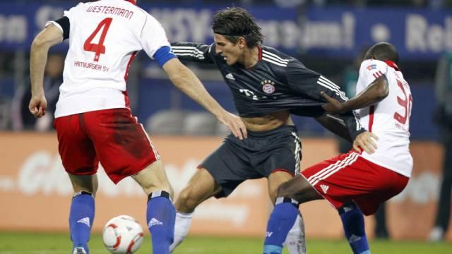 Kein Durchkommen für Bayerns Mario Gomez