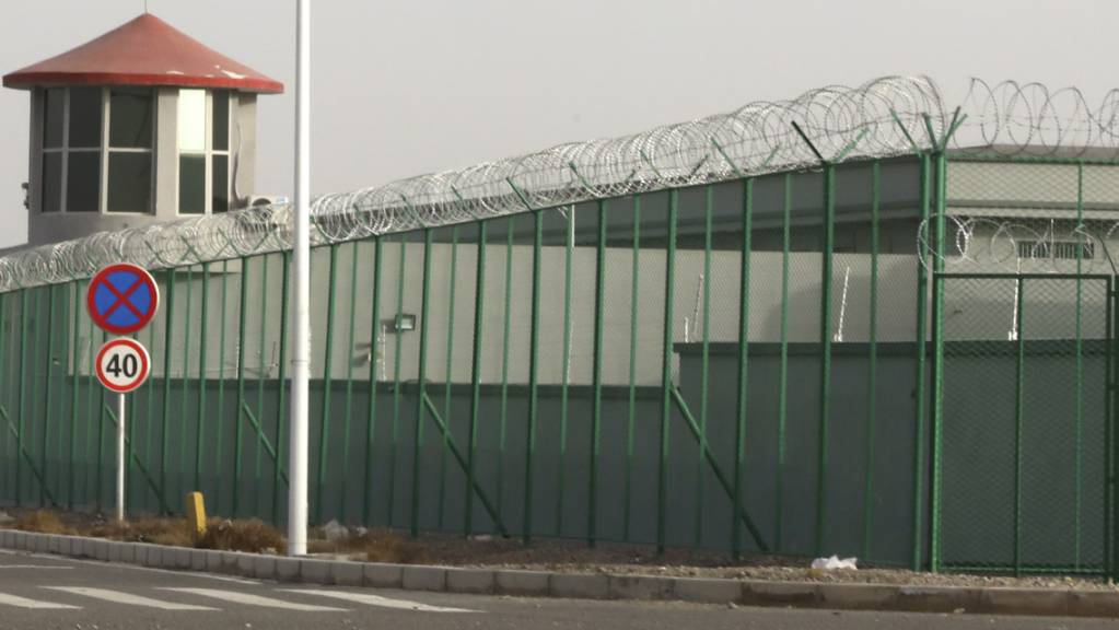 Ein mutmassliches Internierungslager für Uiguren in der westchinesischen Stadt Artux. (Archivbild)