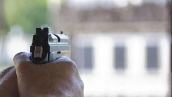 Ein Schuss verletzte den Italiener im November 2009 am Gesäss. (Symbolbild)