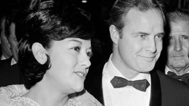 Movita Castaneda und Marlon Brando 1962