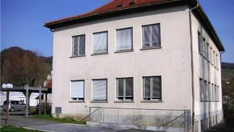 Das Realschulhaus in Schinznach.