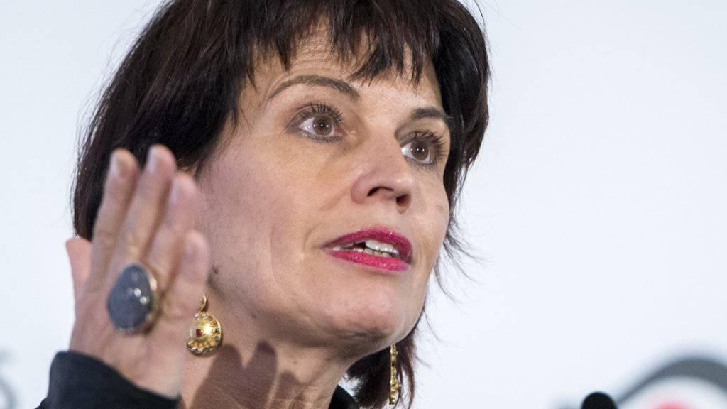 Medienministerin Doris Leuthard fordert die Verleger zu Kooperationen mit der neuen Werbe-Allianz von SRG, Swisscom und Ringier auf.