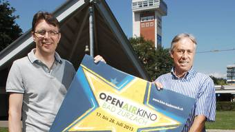 Philipp Weiss (links) und Peter Andres organisieren das 8. Open-Air-Kino Bad Zurzach. angelo zambelli