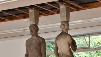 «Nach den aktuellen Regeln der Baukunst» – eine stützende Installation der Künstler Michael Meier und Christoph Franz.