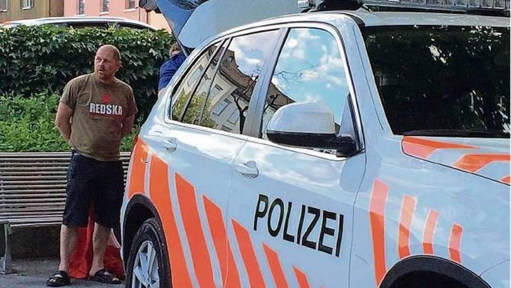 Markus Widmer wurde bei seiner Velo-Jubelfahrt von der Polizei sprichwörtlich aus dem Verkehr gezogen.