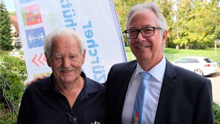 Freude am Schiesssport und an der Gemeinschaft: Max Hauser, siegreicher Schütze aus der Fahrweid, und Werner Hedinger aus Birmensdorf, erster Vizepräsident des Organisationskomitees des Zürcher Kantonalschützenfests im Limmattal.