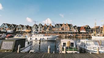 Schmucke Häuser, weisse Boote: Volendam ist eine Stadt wie aus dem Bilderbuch – und eine Hochburg des niederländischen Rechtspopulisten Geert Wilders.MARK DOHERTY/Keystone