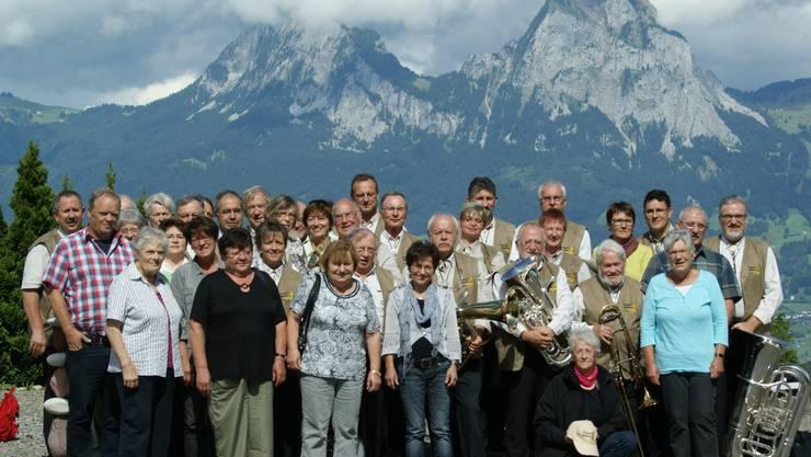Blaskapelle Waldheim mit Partner, Partnerinnen, Sponsoren und Gönnern