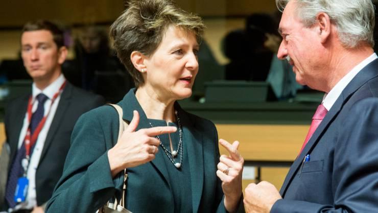 Bundespräsidentin Simonetta Sommaruga bespricht sich am Donnerstag in Luxemburg mit dem luxemburgischen Migrationsminister Jean Asselborn. Einmal mehr geht es um die Flüchtlingskrise. Haupthema ist die schnellere Ausschaffung abgewiesener Asylsuchender.