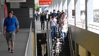 Die stillstehende Rolltreppe muss mit Muskelkraft erklimmt werden