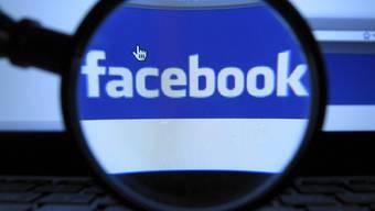 Facebook verkauft Aktien zwischen 18 und 35 Dollar (Archiv)