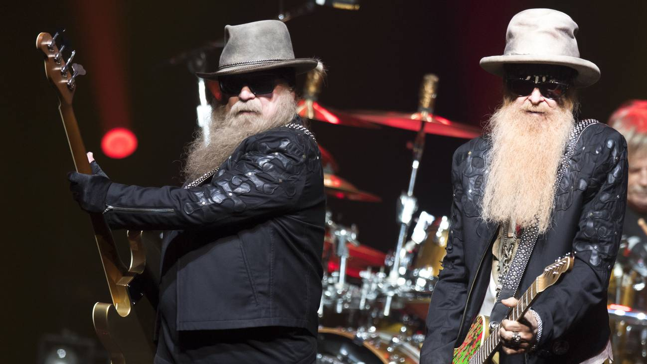 Bass player Dusty Hill, left, and guitarist Billy Gibbons, right, from US rock band ZZ Top perform on the stage of the Auditorium Stravinski during the 53rd Montreux Jazz Festival (MJF), in Montreux, Switzerland, Tuesday, July 2, 2019. The MJF runs from June 28 to July 13 and feat…mehr
