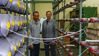 Planen den Neuaufbau des zerstörten Gebäudes: Rainer van Spyk (l.) und Andreas Schmid, beide Co-Geschäftsleiter der Spyk Bänder AG.