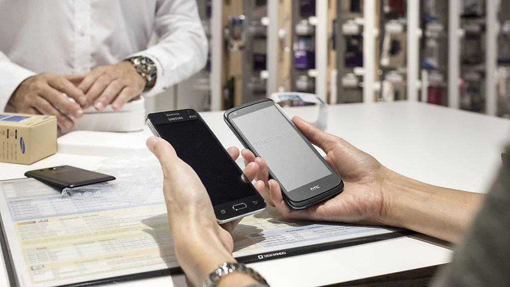 Wenn's immer das neueste sein muss: Schuldenfalle Mobiltelefon. (Symbolbild)