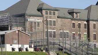Die aus der Clinton Correctional Facility in Dannemora entlaufenen Mörder sind weiterhin auf der Flucht. Mehr ist mittlerweile über die mutmassliche Helferin bekannt: Sie wollte die beiden Sträflinge als Killer engagieren (Archivbild)