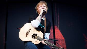 """Der britische Sänger und Songwriter Ed Sheeran hat verraten, mit wem zusammen er für sein neues Duett-Album """"No.6 Collaborations Project"""" gesungen hat. (Archivbild)"""