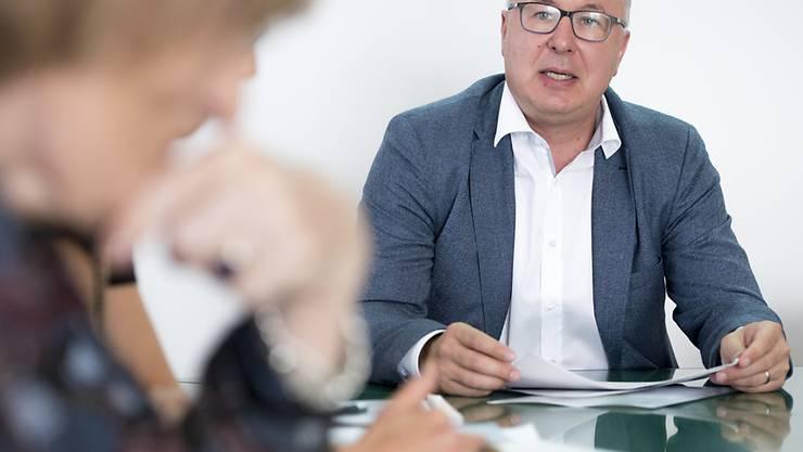 Ein Leitprojekt des Waadtländer Staatsrates Pierre-Yves Maillard (SP): Im Kanton Waadt werden ab September mehrere Zehntausend Haushalte von zusätzlichen Prämienverbilligungen profitieren.