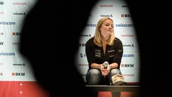 Lara Gut spricht zu den Medien und plant zuvor genau, was sie sagt.