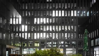 Mittlerweile sind nur noch halb so viele Büros in Zürich ungenutzt wie im Jahr 2014. (Symbolbild)