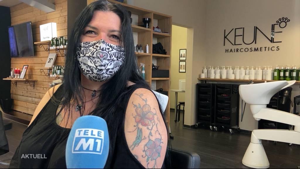 6 Jahre ohne Haarschnitt: Jetzt darf Monika gratis zum Coiffeur