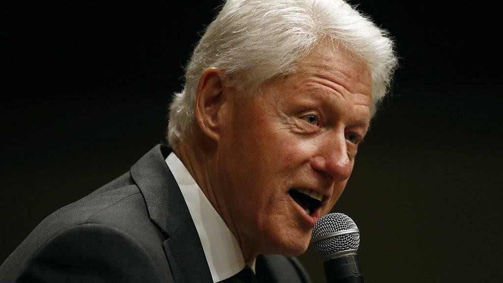 Der ehemalige US-Präsident Bill Clinton sagte in einem Interview, dass die USA das Freihandelsabkommen Nafta haben verkommen lassen. (Archivbild)